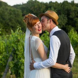 particuliers, mariés dans les vignes, mariage, nature, soleil, intimité, naturel, simplicité