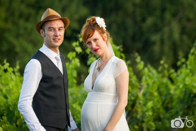 particuliers, mariés dans les vignes, mariage, nature, soleil, intimité, naturel, simplicité, mariées enceinte